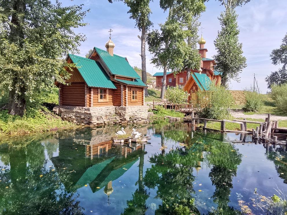 Сарсинский Боголюбский женский монастырь: у святого источника