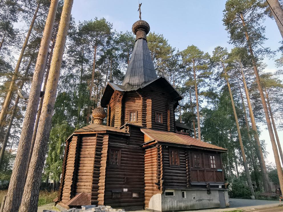 Храм Всех Святых на Уралмаше в Екатеринбурге