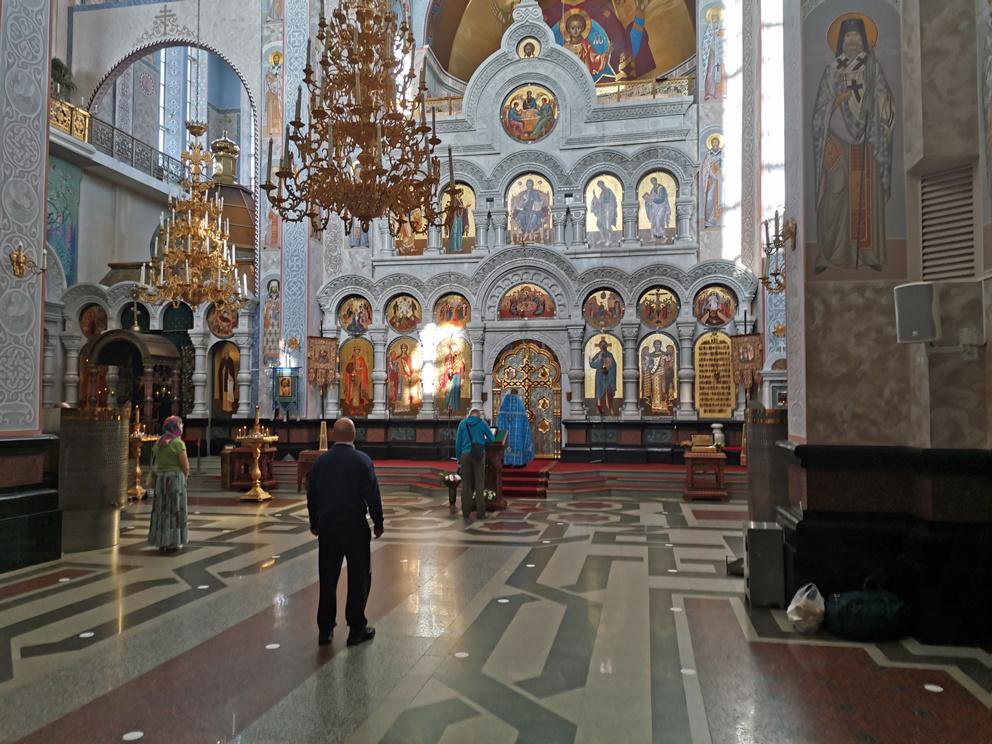 Иконостас в Верхнем храме Во имя Всех Святых в земле Российской просиявших