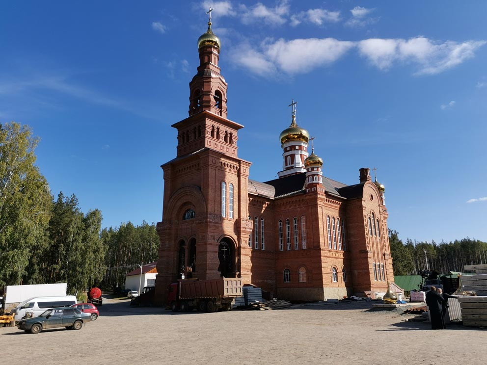 Благовещенский храм Среднеуральского монастыря