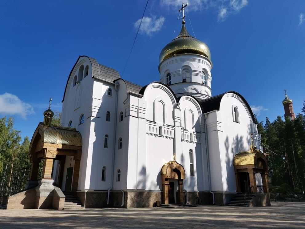 Троицкая церковь Среднеуральского женского монастыря