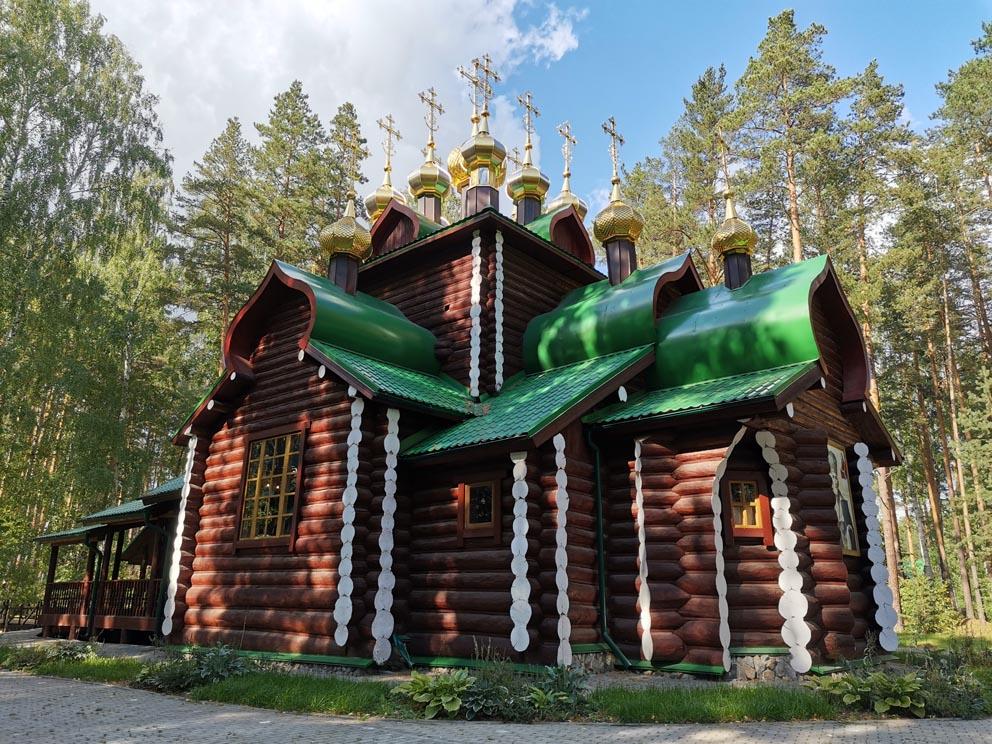 Храм во имя святителя Николая Мир Ликийских Чудотворца на Ганиной яме