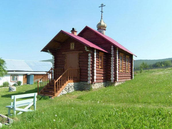 Верний Тагил: храм во имя Архистратига Михаила